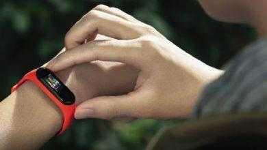 Фото Xiaomi Mi Band 4: фитнес-браслет с цветным экраном, NFC и датчиком ЧСС