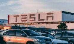 Обзор: Каким окажется будущее Tesla, и какие факторы будут на него влиять