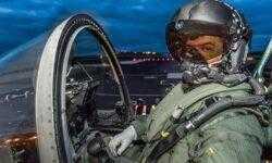 #видео | Новый шлем летчика позволяет видеть сквозь самолет