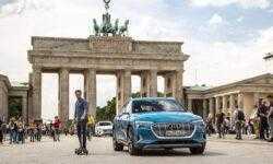 Audi представила гибрид электрического самоката и скейтборда. Чем он интересен?