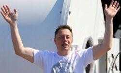 Илон Маск приветствовал предложение наградить $2 млрд тех, кто первыми построят лунную базу