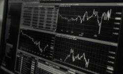 Инвестиции на бирже и сопутствующие расходы: сколько стоят услуги брокерской компании