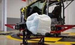 Новая подушка безопасности Honda «обволакивает» голову пассажира