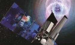 Обсерватория «Спектр-РГ» фиксирует необычную активность чёрной дыры в центре галактики