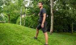 Видео: портативный экзокостюм облегчает ходьбу и бег