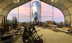 Фото: новый прототип звездолёта SpaceX Starship обретает очертания