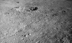 Китайский луноход Yutu-2 обнаружил странное вещество на обратной стороне Луны