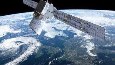 Фото На орбите становится тесно: аппарат SpaceX Starlink чуть не столкнулся с европейским спутником