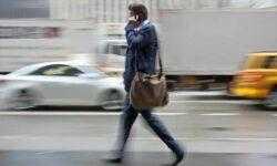 Почему люди ходят во время разговора по телефону?