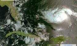 Российские спутники запечатлели ураган «Дориан»
