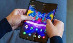 Samsung просит пользователей осторожно обращаться с Galaxy Fold