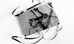 Из-за глобальной нехватки сырья в США приостановлено производство аудиокассет