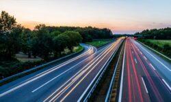 Обычные оптические линии связи научились «слушать» улицу: от определения машин до выстрелов