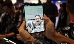 Samsung планирует продать в 2020 году 6 миллионов складных телефонов
