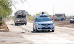 Waymo начнёт коммерческое использование автономных автомобилей без водителя-человека в салоне