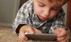 Как гаджеты влияют на мозг детей