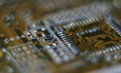 Российские учёные помогут уменьшить толщину полупроводников на порядок