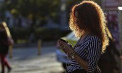 Смартфоны смогут предупреждать пешеходов в России о приближающихся автомобилях