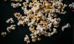Как застрявший в зубах попкорн может стать причиной серьезных проблем с сердцем?