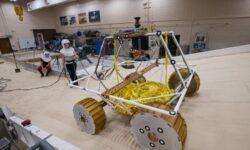 Лунный ровер NASA VIPER для поиска льда проходит испытания