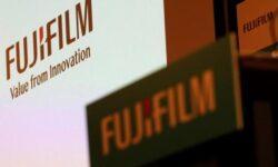 Полностью рассекречена фотокамера Fujifilm X100V: 26,1 млн пикселей и сенсорный экран