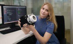 В 26 лет Яна Харлан руководит разработкой космического двигателя. В следующем году его планируют запустить