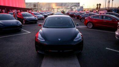 Фото #видео | Автомобиль Tesla научился разговаривать с пешеходами