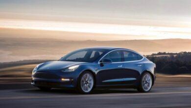 Фото Видео: автомобили Tesla вскоре заговорят с пешеходами