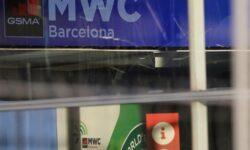 Ещё ряд компаний, включая NTT и Intel, отказались от участия в MWC