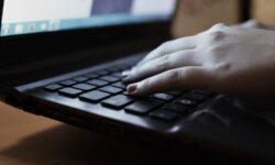 Офисным работникам и геймерам грозит профессиональное заболевание доярок