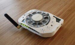 [Перевод] Сотовый телефон с дисковым номеронабирателем