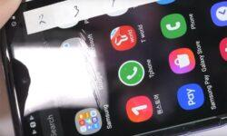 Видео дня: стеклянный экран Galaxy Z Flip повреждается подобно пластиковому