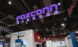 Прибыль Foxconn сокращается уже третий год подряд, компания ищет новые рынки