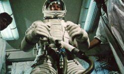 Видео: ровно 55 лет назад человек впервые вышел в космическое пространство