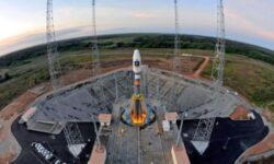 Пуски российских ракет с космодрома Куру остановлены на полгода