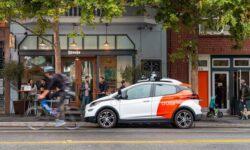 Самоходные автомобили переключились на бесконтактную доставку продуктов