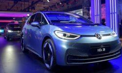 В обращении к сотрудникам глава Volkswagen признал существенное отставание от Tesla