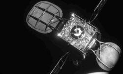 Впервые в истории космический транспортёр MEV-1 переместил спутник на новую орбиту