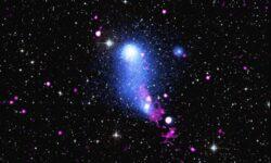 Фото дня: столкновение двух скоплений галактик