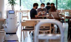 Роботы-бариста помогут корейским кафе пережить пандемию коронавируса