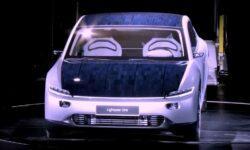 Голландская компания улучшила Tesla, установив на нее солнечные панели