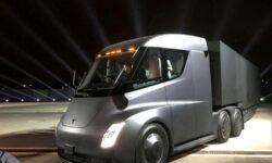 Илон Маск заявил, что электрический тягач Tesla Semi готов к массовому производству