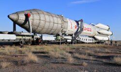 Ракета «Протон-М» для запуска спутников «Экспресс» вернулась на космодром