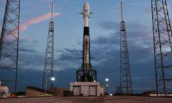 SpaceX успешно запустила ракету Falcon 9 с 58 спутниками связи Starlink