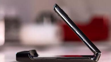 Фото Motorola намекнула на анонс гибкой раскладушки Razr второго поколения 9 сентября