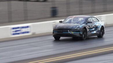 Фото Электромобиль Lucid Air обогнал Tesla Model S в гонке на четверть мили