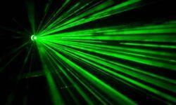 Российские исследователи предложили лазерную «свечу» для двигателей спутников